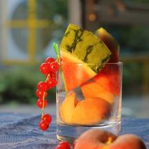 Wassermelone mit Pfirsichen